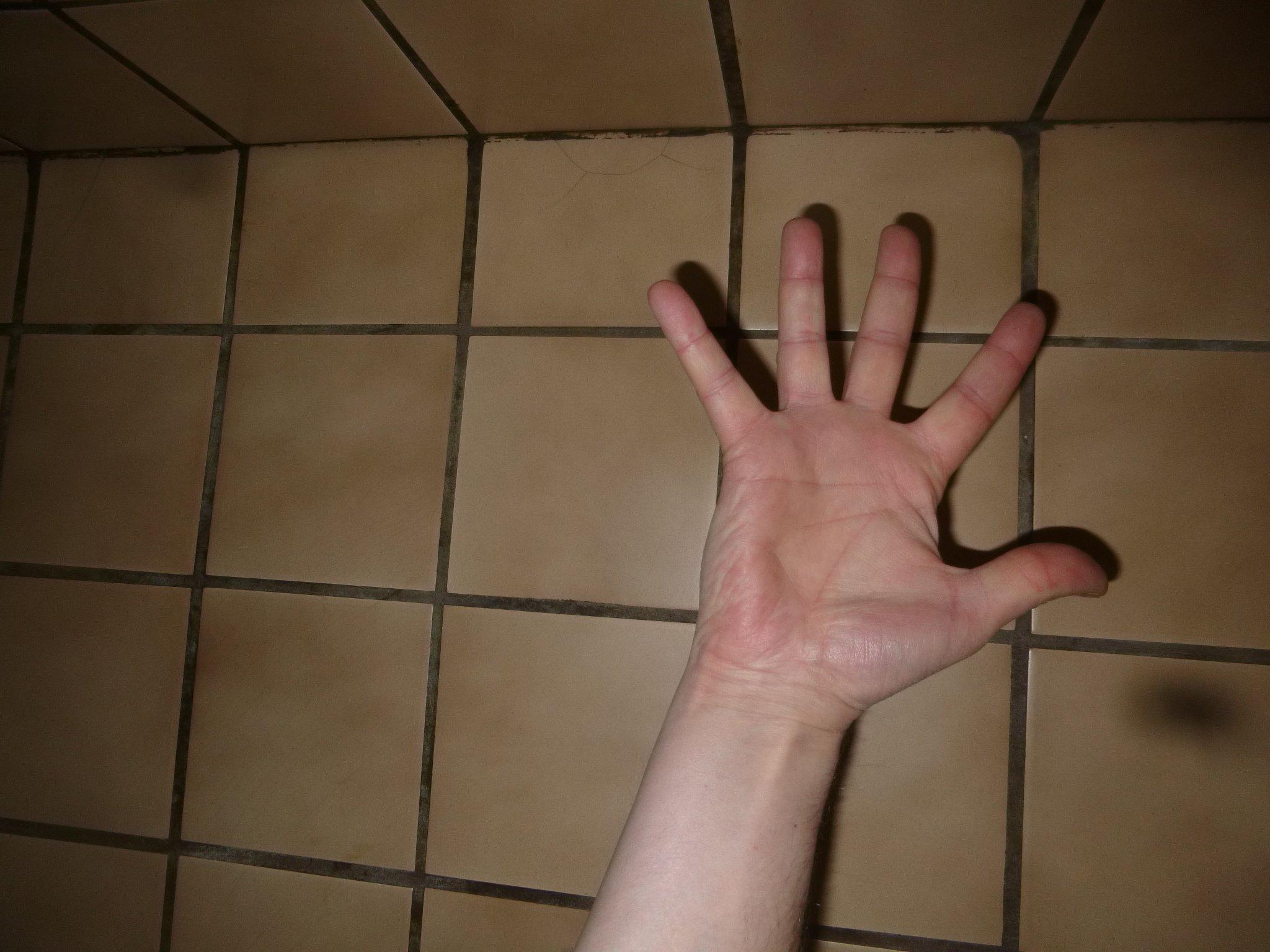 Hand + Kacheln