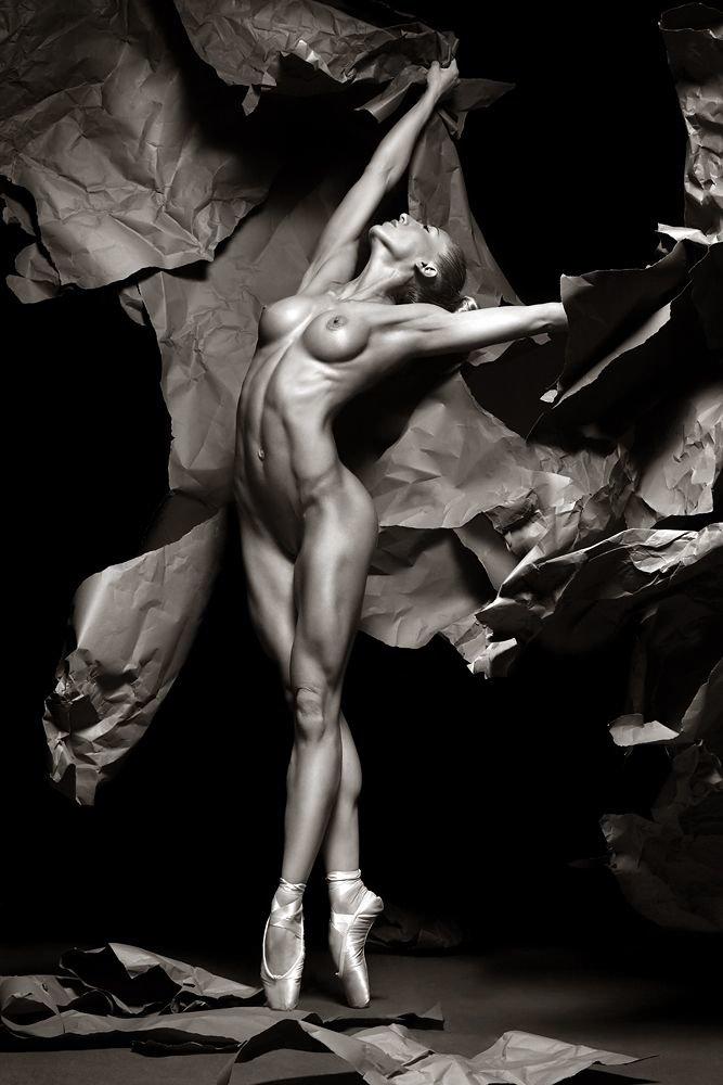 эротический фото танец