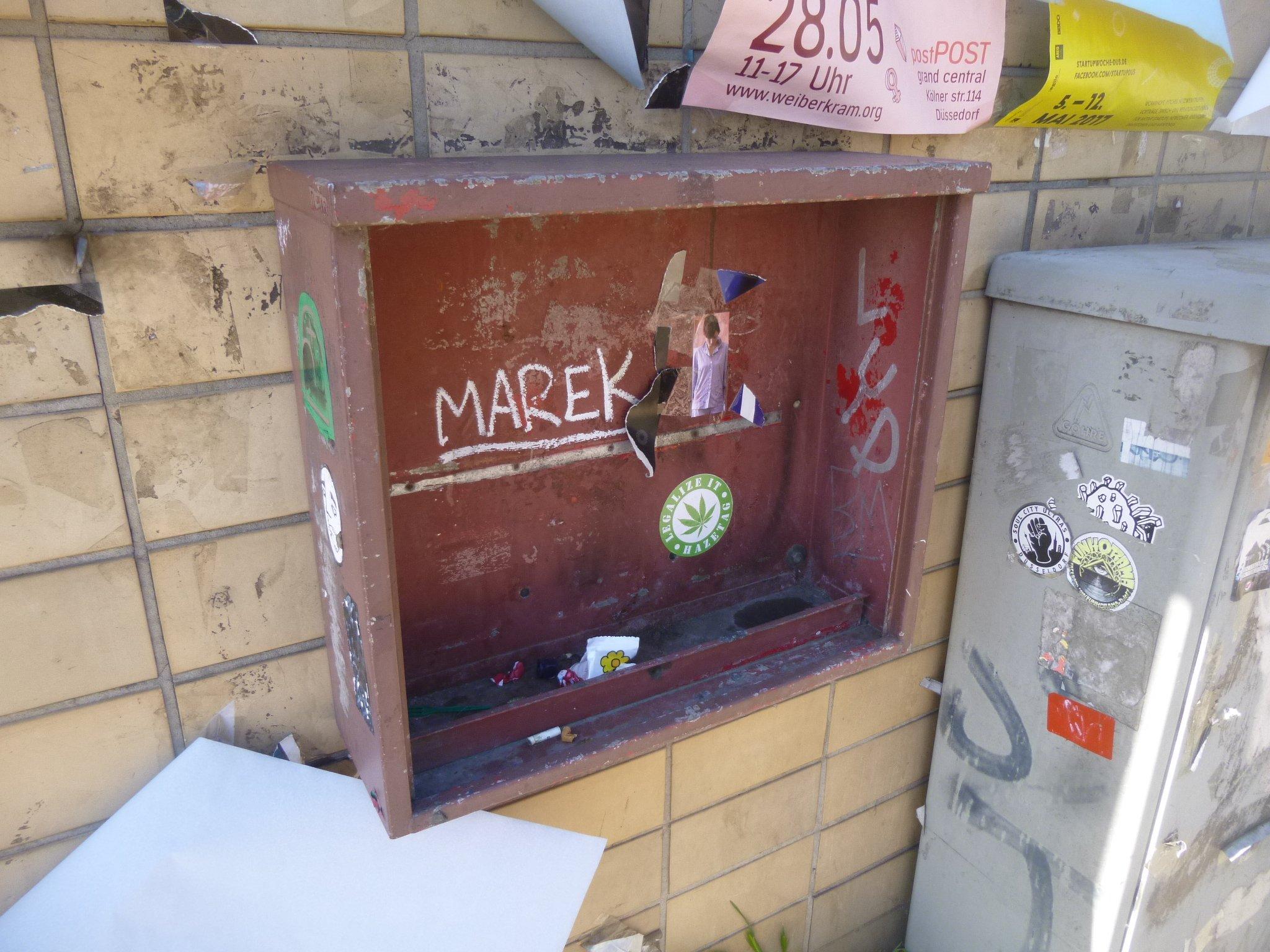 Halterung Kaugummiautomat