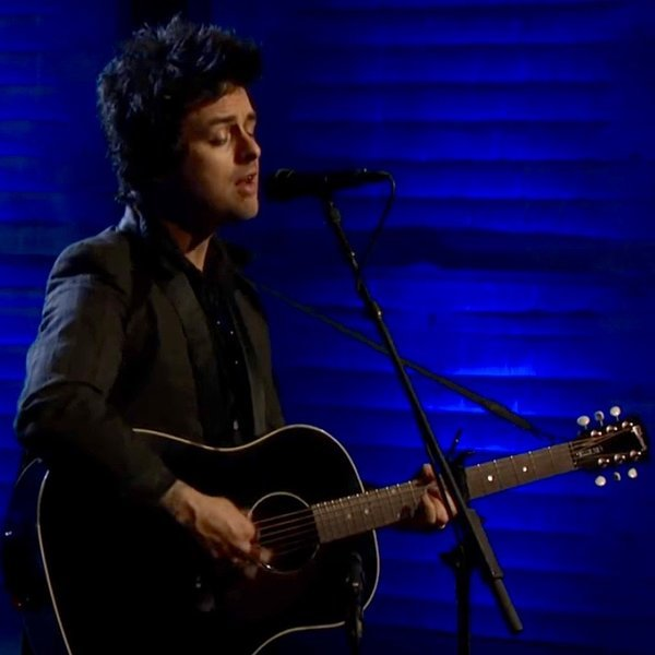 """Watch Billie Joe Armstrong Perform an Acoustic Version of """"Ordinary World"""""""